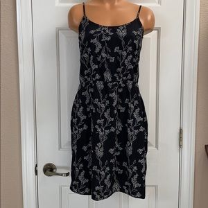 Old Navy black floral summer dress M